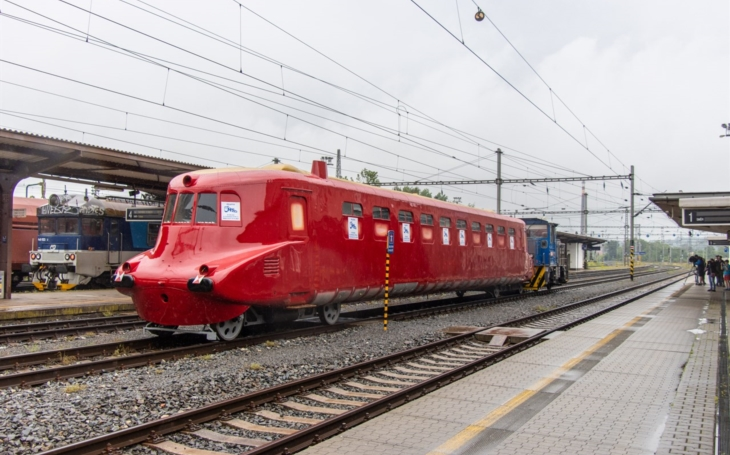 Historic railway vehicles: Slovak Missile, twins with different destinies