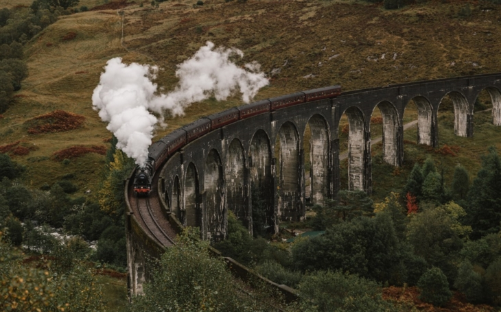 The most beautiful rail lines in the word: Hogwarts express of Harry Potter