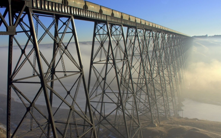 Marvelous piece of railway land art erected by 100-man gang: Lethbridge Viaduct