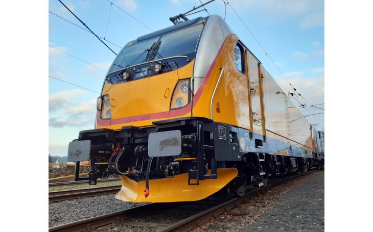 Společný provoz lokomotiv Vectron a TRAXX nadohled
