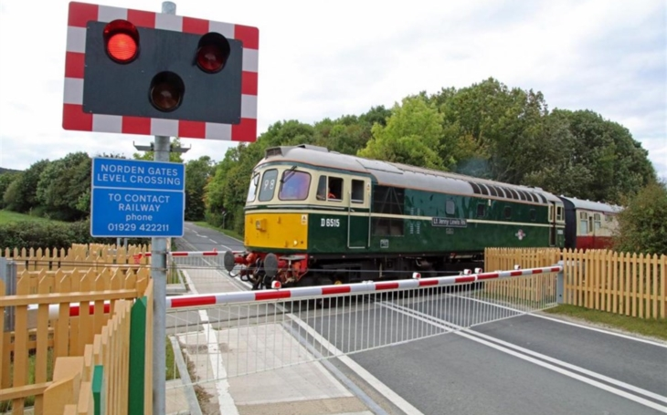 Let's support International Level Crossing Awareness Day!