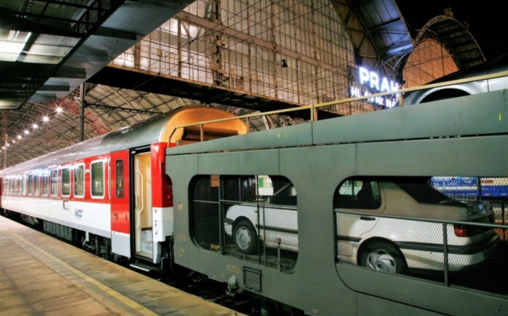 Interest in international rail connections to Croatia is increasing, with a line from Bratislava to Split directed by ZSSK and ÖBB