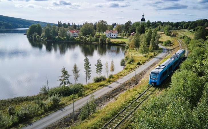 Alstom's Coradia iLint hydrogen train runs for the first time in Sweden