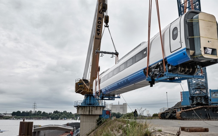 The first &quote;Sapsan&quote; from the new batch arrived in St. Petersburg