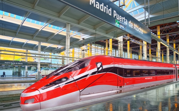 The first high-speed train ETR1000 arrives in Spain