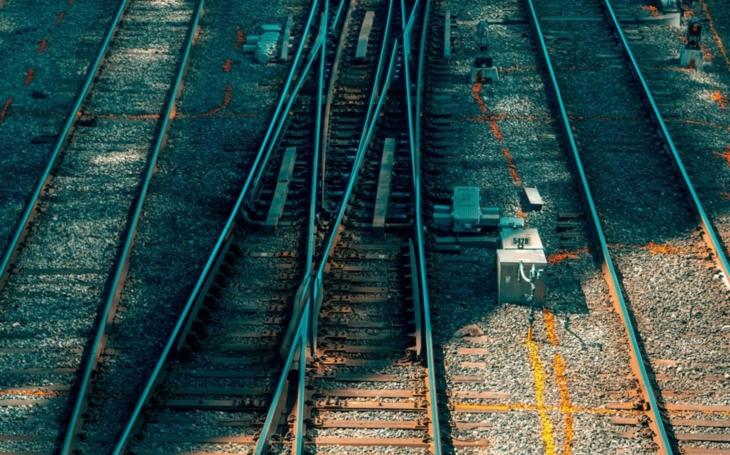 Do roku 2030 polovina sítí české železnice má byt vybavena systémem ETCS