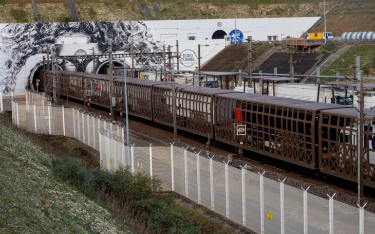 Getlink and CargoBeamer with first unaccompanied cross-Channel service by rail