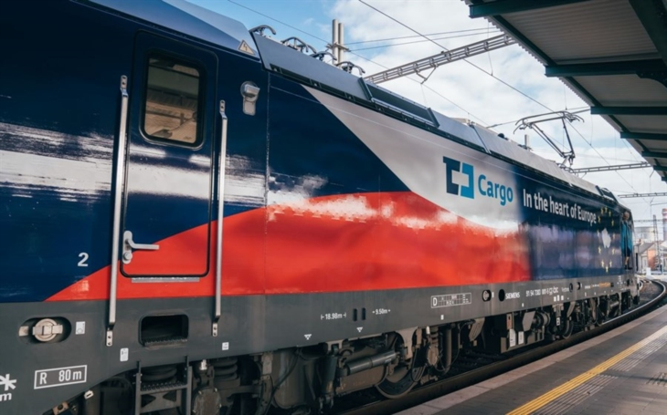 Photo report: The European Connecting Europe Express train is in Czech republic on its way from Brno to Prague